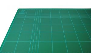 DAFA A4 Self Healing Sealing Cutting Trimming Mat 3mm Thick. Printed Markings and Non Slip. C6014